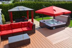 Patio et Spa Jacuzzi Outdoor, Outdoor Spa, Outdoor Areas, Outdoor Rooms, Outdoor Furniture Sets, Hot Tub Deck, Hot Tub Backyard, Hot Tub Garden, Patio Deck Designs
