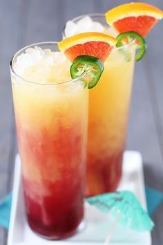 Spicy Tequila Sunrise -- a delicious fruit juice drink that's perfect for the weekend! | http://gimmesomeoven.com #drink #cocktail