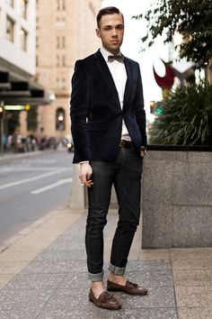 Black Linen Jacket, Bow Tie, Black Denim Fitted Jeans, and Dark Brown Loafers. Men's Spring Summer Fashion.