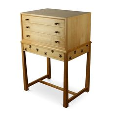 Haberdashery /collectors drawer chest constructed in beech with inlaid walnut & ebony flower pattern. Harvey Furniture, Haberdashery, Craft Items, Wooden Boxes, Flower Patterns, Drawer, Furniture Design, Crafts, Wood Boxes