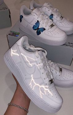 ✰ p i n t e r e s t ashleeyroberts ✰ 50 Trendy Ideas How To Wear Nike Shoes Outfits 14 Outfits with White Sneakers That We're Falling for This November Hype Shoes, Women's Shoes, Me Too Shoes, Shoes Cool, Mtb Shoes, Jordan Shoes Girls, Girls Shoes, Shoes Women, Cute Sneakers