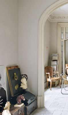 barcelona home with inspiring architectural details and vintage furnishings. / sfgirlbybay