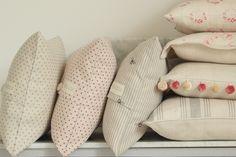 Rose-Dots-Cushions-13