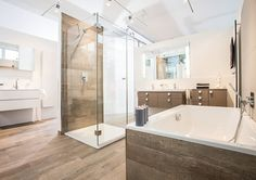 Bildergebnis für badezimmer holzfliesen
