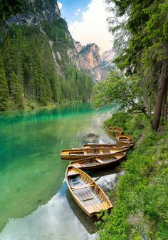 Lago di Braies / Italy (by Gerard).