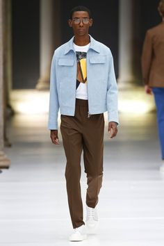 Neil Barrett Menswear Spring 2017 Look 32 is part of Mens spring fashion - BoFW Casual Outfits, Men Casual, Fashion Outfits, Simple Outfits, Stylish Men, Mode Streetwear, Spring Jackets, Mens Clothing Styles, Menswear