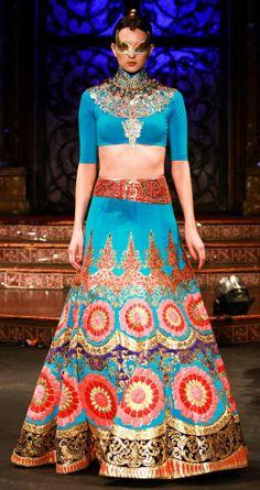 Freelance fashion designer & Fashion Business consultant at My favorite fashion designer : Manish Arora Indian Bridal Lehenga, Indian Bridal Wear, Indian Wear, Indian Style, Indian Ethnic, Ethnic Fashion, Asian Fashion, Punk Fashion, Lolita Fashion