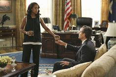 Tony Goldwyn and Kerry Washington in Scandal Scandal Quotes, Glee Quotes, Scandal Abc, Tony Goldwyn, How To Get Away, How To Find Out, Fitzgerald Grant, Olivia And Fitz, Paris Is Burning
