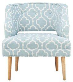 Sessel im Retro-Look in Blau und Weiß - ein dekorativer Blickfang