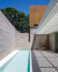 Aigai Spa As An Urban Oasis architecture, outdoor, in Architecture Moderne Pools, Casa Patio, Swing Design, Cool Pools, Pool Designs, Pergola Designs, Outdoor Spaces, Outdoor Living, Modern Architecture