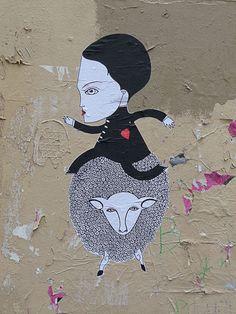 Cinq collages de Fred le Chevalier dans Montmartre (Paris 18e)  http://www.pariscotejardin.fr/2012/11/cinq-collages-de-fred-le-chevalier-dans-montmartre-paris-18e/