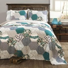 Briley Quilt 3 Piece Set #BeddingScholarship I love this beautiful quilt set. So many colors would complement this quilt.