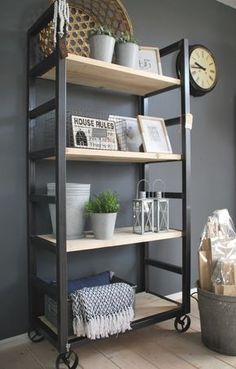 Industriële kast / Bakkerskar | Anno Nu | Woon & Cadeau | Eigenwijze en eigentijdse meubels en woondeco!