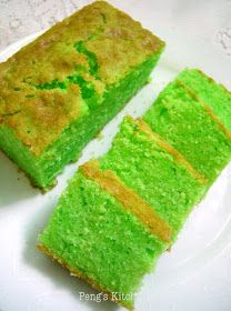 This is a sugee cake with a twist! Traditional sugee cake is actually very sinful as it is loaded with large amount of egg yolks! Sugee Cake, No Bake Cake, Cupcake Cakes, Cupcakes, Orange Sponge Cake, Molten Cake, Semolina Cake, Biscuit Cake, Asian Desserts