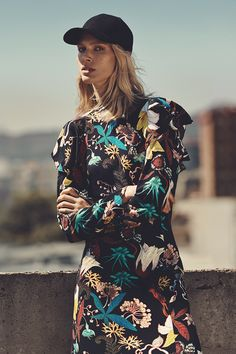 The new autumn collection has arrived! Make a fashion statement in flower dresses, pleated skirts, bold knits, pin-striped suits, clean coats and sporty separates | H&M