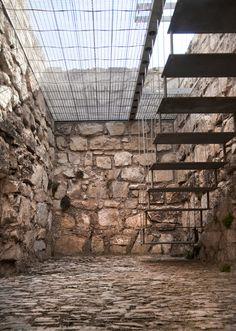 Renovation of an Arab Tower (Riba de Saelices, Guadalajara, Spain). Image courtesy of Iñaqui Carnicero.