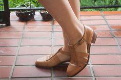 Vintage Italian Leather Talbots Shoes     (size 9)