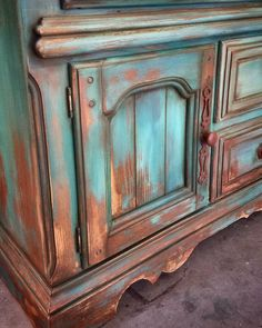 Finished up another beauty today using some my favs #thomasvilleteal #santafeturquoise #emeraldislegreen #cececaldwellspaints #rusticfurniture