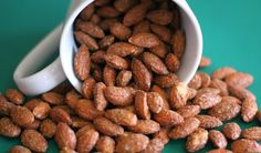 It's finally the time of year for festive gatherings and celebrations! You can easily get caught up nibbling on a bunch of unhealthy treats and hors d'oeuvre.This Cinnamon Roasted Almonds recipe has holiday flavor that won't leave yo. Nut Recipes, Almond Recipes, Snack Recipes, Cinnamon Recipes, Candy Recipes, Cinnamon Roasted Almonds, Roasted Nuts, Candied Almonds, Appetizers