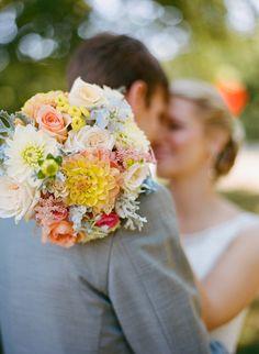 love that bouquet!!