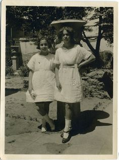 Frida and her sister Christina