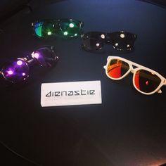 Några av sommarens läckraste solglasögon! #dienastie #voila #popupforce #popupplace #kungenskurva  (på/i Kungens Kurva Shoppingcenter)
