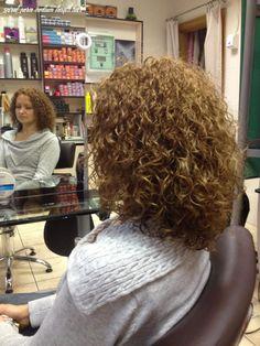 Perm On Medium Hair, Permed Hair Medium Length, Medium Permed Hairstyles, Short Permed Hair, Short Curly Haircuts, Loose Hairstyles, Medium Hair Styles, Long Hair Styles, Loose Perm