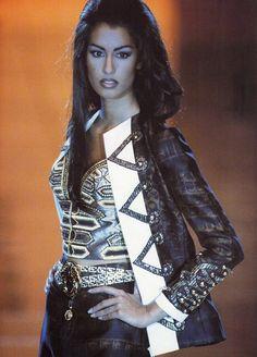 Yasmeen Ghauri: Gianni Versace. 1992