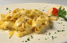 """al Pesto de Pistacchi con Pomodorini Freschi"""" (farfalle with pistachio ..."""