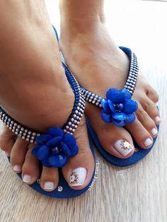 26 Ideias de Unhas Decoradas dos Pés Flip Flops, Nail Designs, Sandals, Shoes, Nice, Women, Fashion, Pretty Pedicures, Nail Art Designs