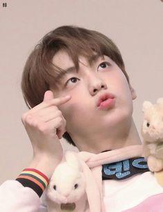 [HQ] 190414 in fansign ©bomple_txt Yesung Super Junior, Seventeen Woozi, Baby Bunnies, Kpop Boy, Dancer, Fandom, Wattpad, My Love, Cute