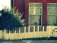 Keyboard Fence...would love to do this!!