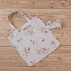 Shopping tote /book bag in antique rose print cotton Antique Roses, Leaf Prints, Dance Outfits, Make And Sell, Printed Cotton, Cotton Canvas, Annie, Antiques, Book