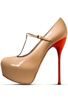 Again with the resort collection!!? Sorry we can't help it. Love em', John Galliano Resort Shoes 2013.