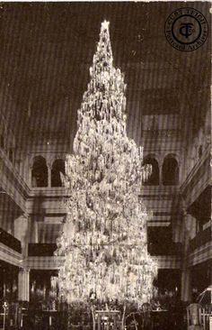 Marshall Field's Christmas tree, 1914, Chicago.
