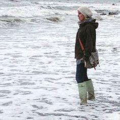 Wellies in the waves ☺️ Beach Scenes, Waves, Sea, Christmas, Blue, Xmas, The Ocean, Navidad, Ocean Waves