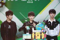 [161108] TFBOYS tại sinh nhật Vương Nguyên 16 tuổi