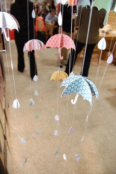 baby shower umbrellas and rain display. Could be a cute Spring showers decoration.umbrella and rain drops - mobile - bjl (Diy Paper Mobile)april showers bring may flowersOrder Cell Phones With Checking AccountAs cute as those paper balloons. Diy Paper, Paper Art, Paper Crafts, Diy And Crafts, Crafts For Kids, Arts And Crafts, Craft Projects, Projects To Try, Paper Umbrellas