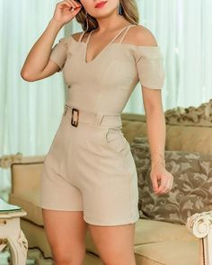 Cold Shoulder Double Strap Romper Style:Fashion Pattern Type:Solid Material:Polyester Neckline:Cold Shoulder Sleeve Style:Short Sleeve Length:Short Occasion:Casual Package - Jumpsuits and Romper Style Casual, Casual Outfits, Cute Outfits, Fashion Outfits, Womens Fashion, Style Fashion, Mode Rockabilly, Long Sleeve Romper, Rompers Women