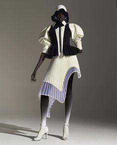 """Sleeves Up"". Visuals via @robertwun - Look 14. Contrast Peplum Jacket with Detachable Sleeves and the Table Cut Sunray Pleated Skirt / ROBERT WUN AW20  Photography @nhuxuanhua Model Akuac @nevsmodels MUA @porschepoon Assistants @annasophiajohn @paula.galama  @fernando_donner @steffinney @phil.egan        Love Fashion, Spring Fashion, High Fashion, Fashion Show, Vintage Fashion, Fashion Outfits, Fashion Design, London College Of Fashion, Mode Editorials"