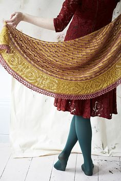 Loop Piccadilly Lace Shawl Knitting Pattern