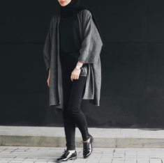 Super Ideas For Style Hijab Casual Monokrom Hijab Casual, Hijab Chic, Casual Outfits, Classy Outfits, Hijab Fashion Casual, Ootd Hijab, Casual Chic, Muslim Fashion, Modest Fashion