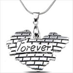 Vintage Heart Style Necklace Clavicle Chain Neck Chain Pendants Sweater Necklace Decoration Ornament