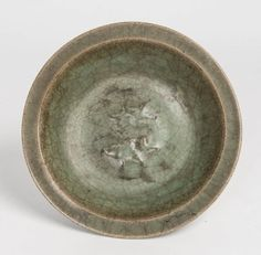 Chinese celadon green bowl, 18th century. Diameter 22 cm