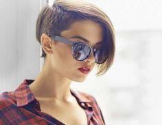"""Encontrar um """"bom look"""" não é sempre uma coisa fácil para uma mulher. Ela deve aprender as cores que... - Receitas sem Fronteiras"""
