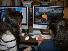 Students using Open Sim