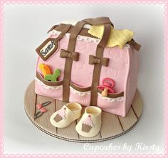 Diaper bag cake for baby shower! Torta Baby Shower, Fancy Cakes, Cute Cakes, Beautiful Cakes, Amazing Cakes, Diaper Bag Cake, Birthday Cake Pinterest, Baby Girl Cakes, Cake Baby