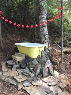 Baignoire Camp en fonte au propane - New Ideas Outdoor Bathtub, Outdoor Bathrooms, Cast Iron Bathtub, Bathtub Remodel, Outside Living, Garden Landscape Design, Cabins In The Woods, Outdoor Spaces, Saunas