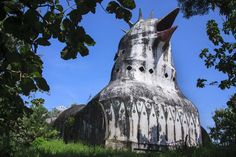 Mysterious Abandoned 'Chicken Church' Built In The Indonesian Jungle | memolition
