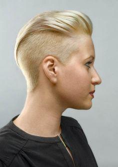 punkfrisur-blond-kurz-1a.jpg 424×600 Pixel